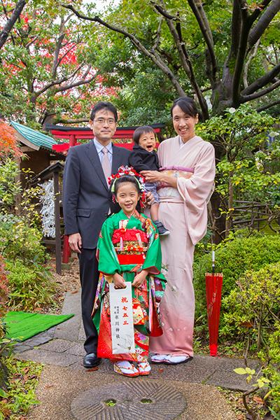 東京都八王子市のお店に出張撮影した七五三記念の家族写真