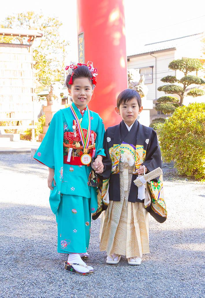 七五三記念日の兄弟の写真
