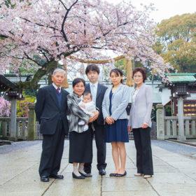 伊勢山皇大神宮に出張撮影したお宮参りの家族写真