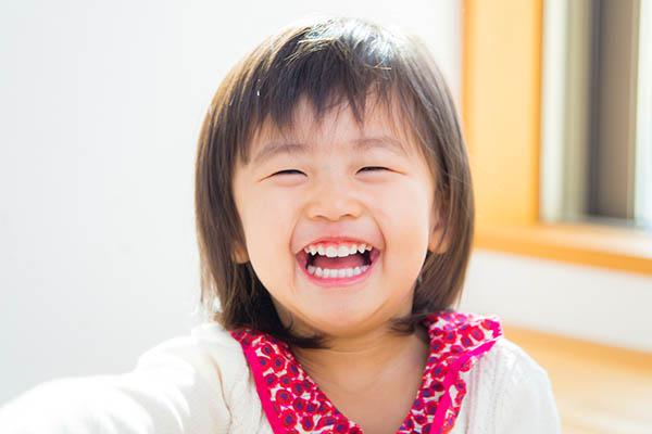 横浜市青葉区のご自宅に出張撮影した女の子の笑顔